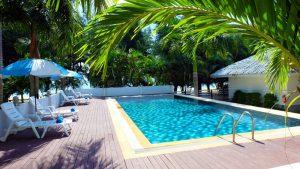 แหลมสิงห์ แนชเชอรัลบีช รีสอร์ท จันทบุรี: Swimming Pool