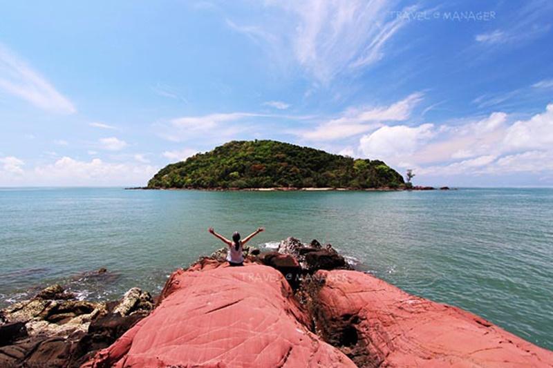 แหลมสิงห์ แนชเชอรัลบีช รีสอร์ท จันทบุรี: ลานหินสีชมพู